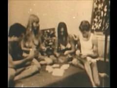 Ретро оргия - игра в карты на раздевание и жесткая групповуха волосатых пезд