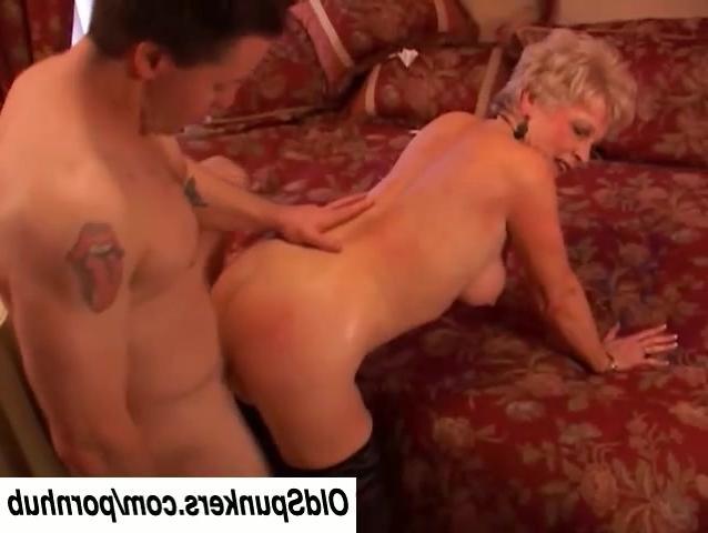 порно где баба канчает визг
