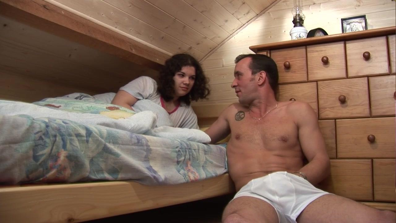 Смотреть любительское порно бесплатно взрослые муж и жена участвуют в групповухе 23 фотография