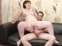 Зрелая французская пара демонстрирует трах в жопу на порно кастинге