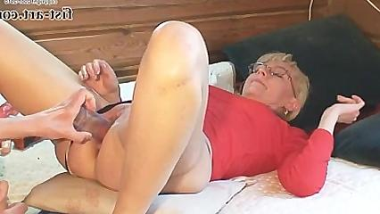 Зрелая домашняя дамочка любит фистинг фото 776-41