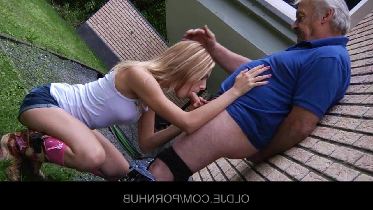зрелый мужчина и молодая девушка секс онлайн