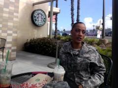 Молодая армейская шлюшка познакомилась с парнем в увольнительной и поебалась с ним