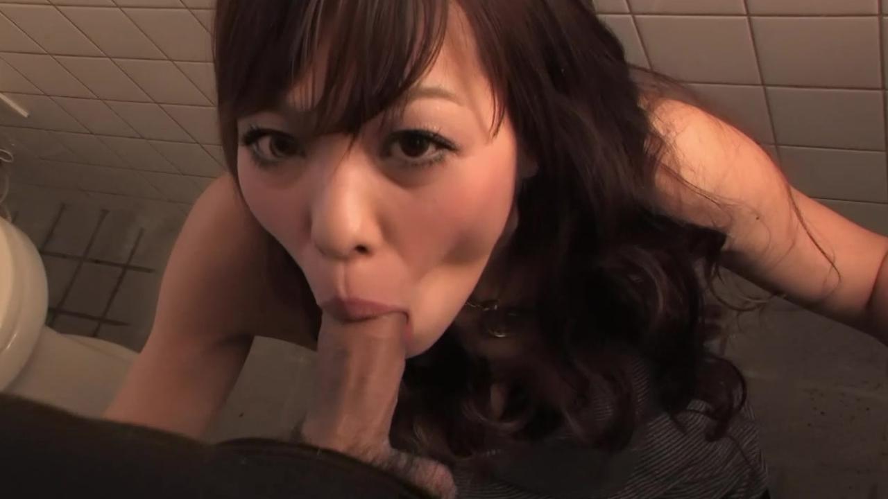 Тсекс в туалете смотреть онлайн 28 фотография