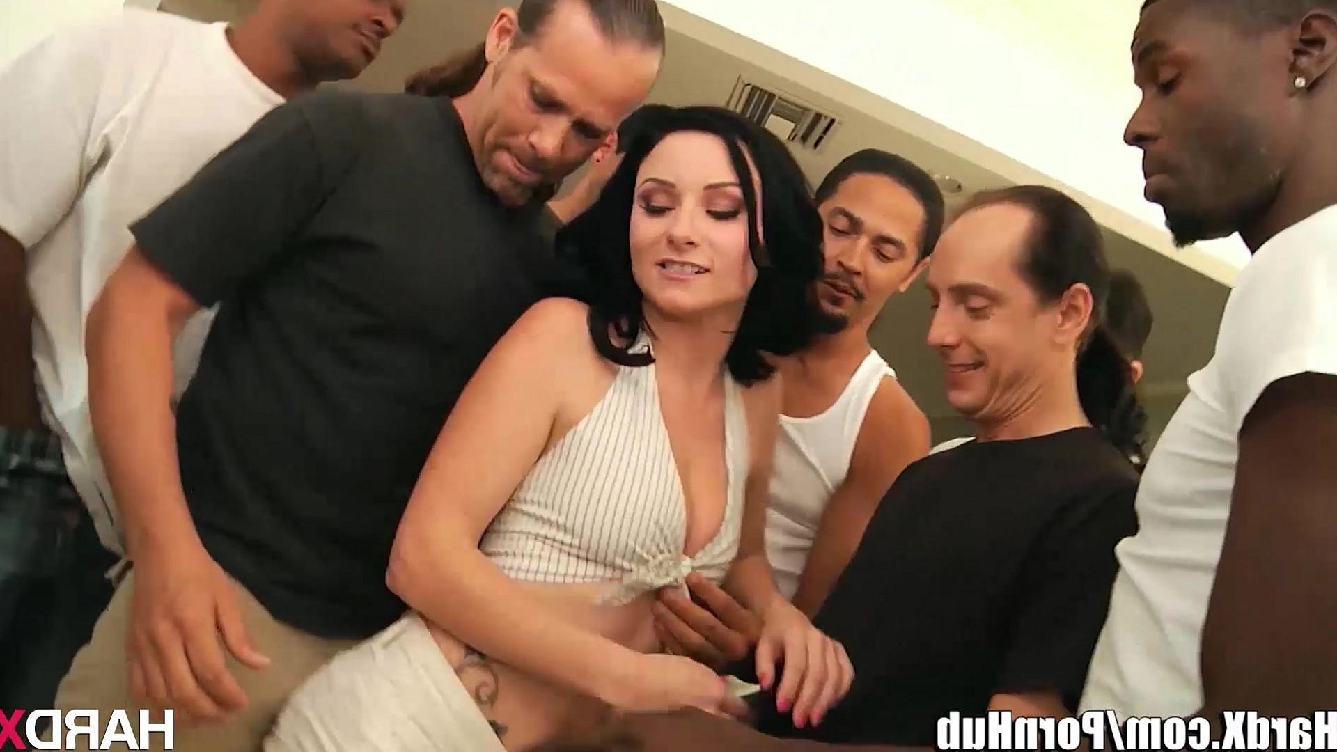 Смотреть бесплатно порно генг бенг в офисе