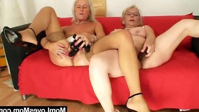 Старые тетки ебутся дилдо видео фото 81-550