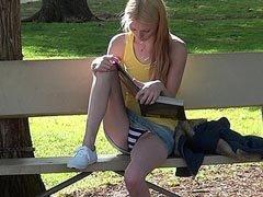 Секс от первого лица: юная студентка соблазняет трусиками под юбкой