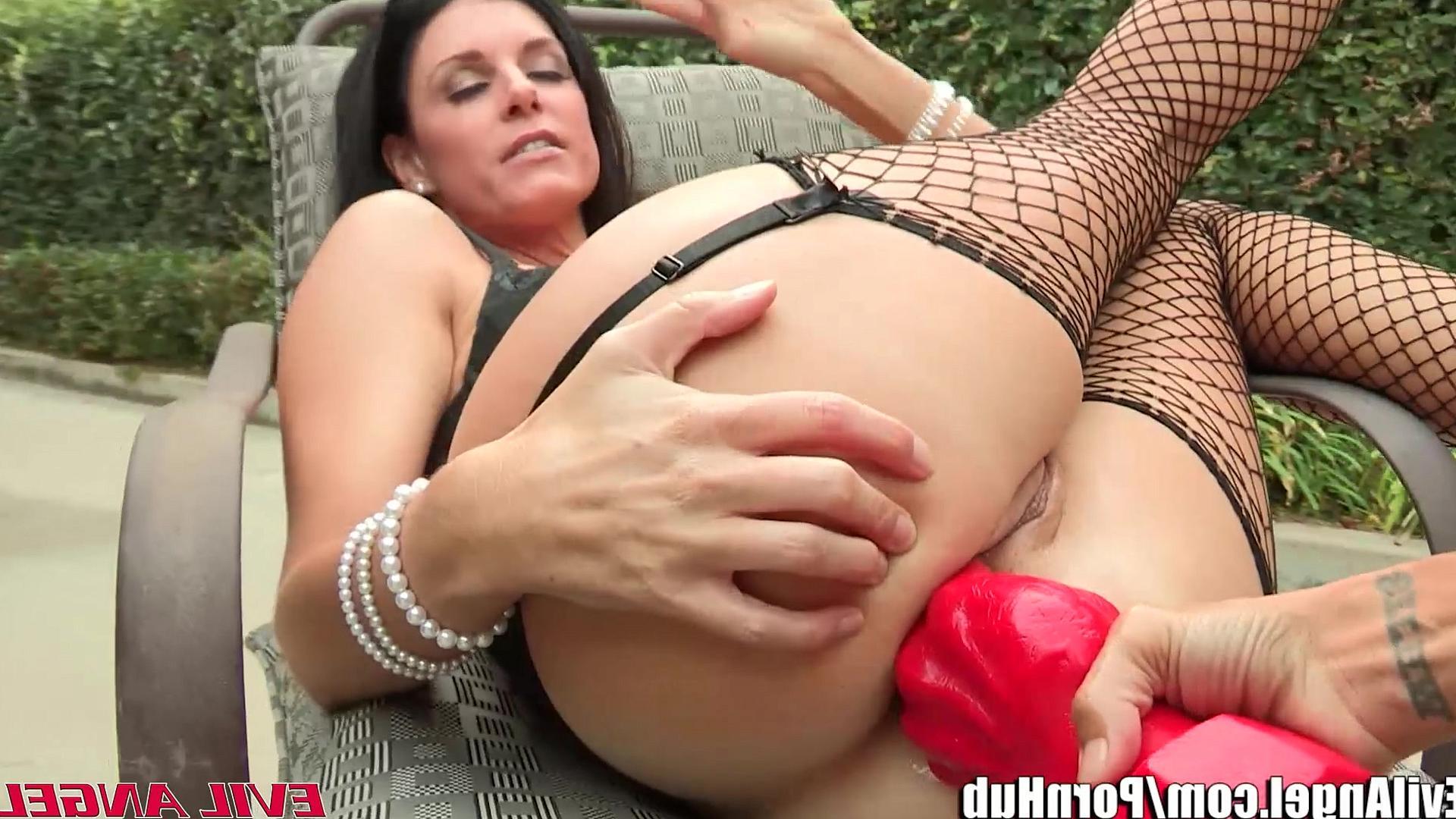 Играть секс лизбиянок онлайн фото 25-541