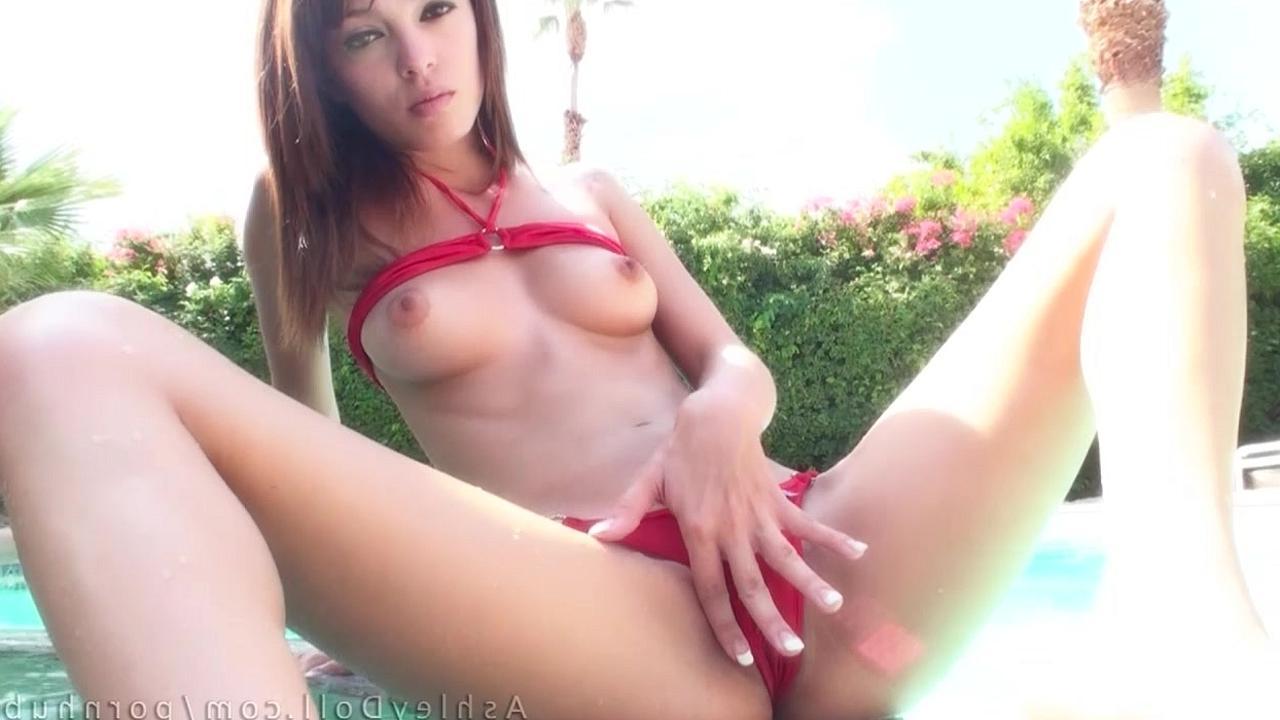 Трах в купальнике порновидео фото 147-256