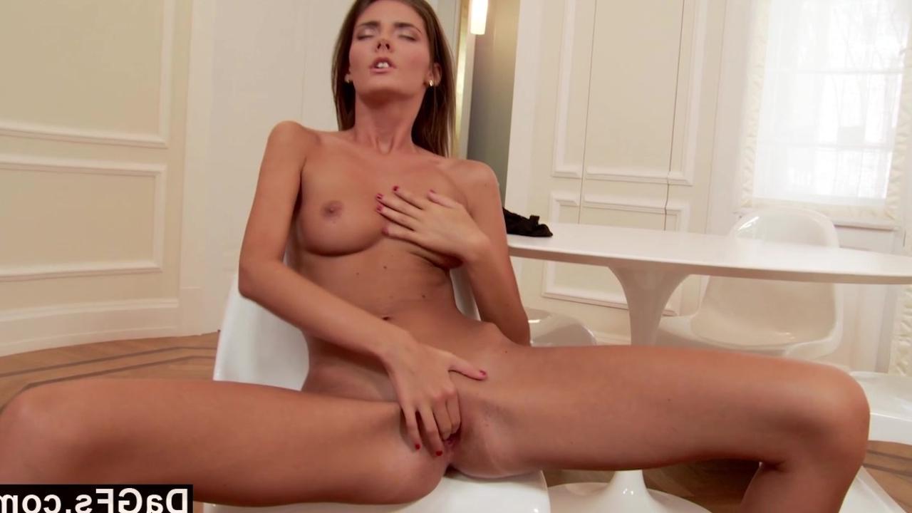 Смотреть жосткий извращенный женский оргазм 17 фотография