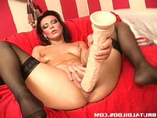 Смотреть порно гигантским дилдо фото 644-914