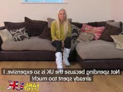 Молодая чешская сучка знакомится с фаллосом порно агента