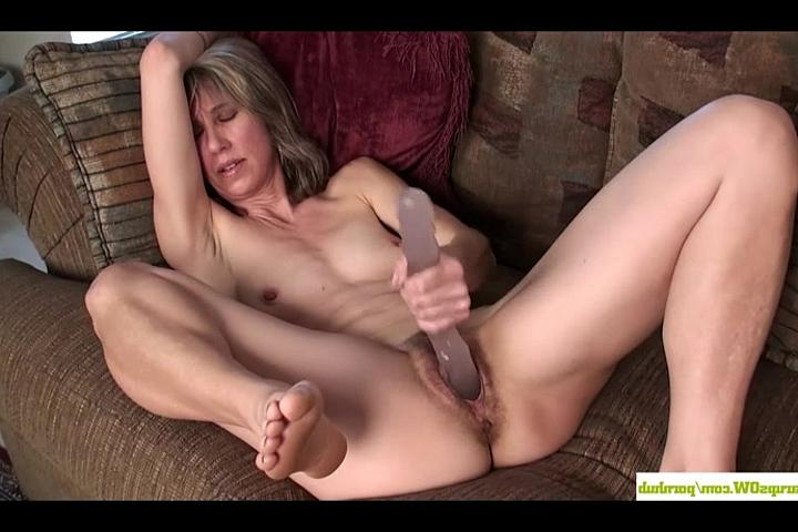 жена с фалоимитатором порно видео