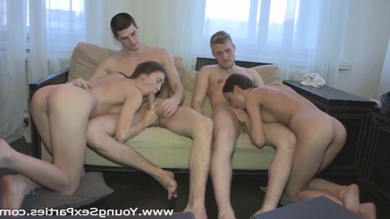 Русское порно групповое с очень молодыми 3 фотография