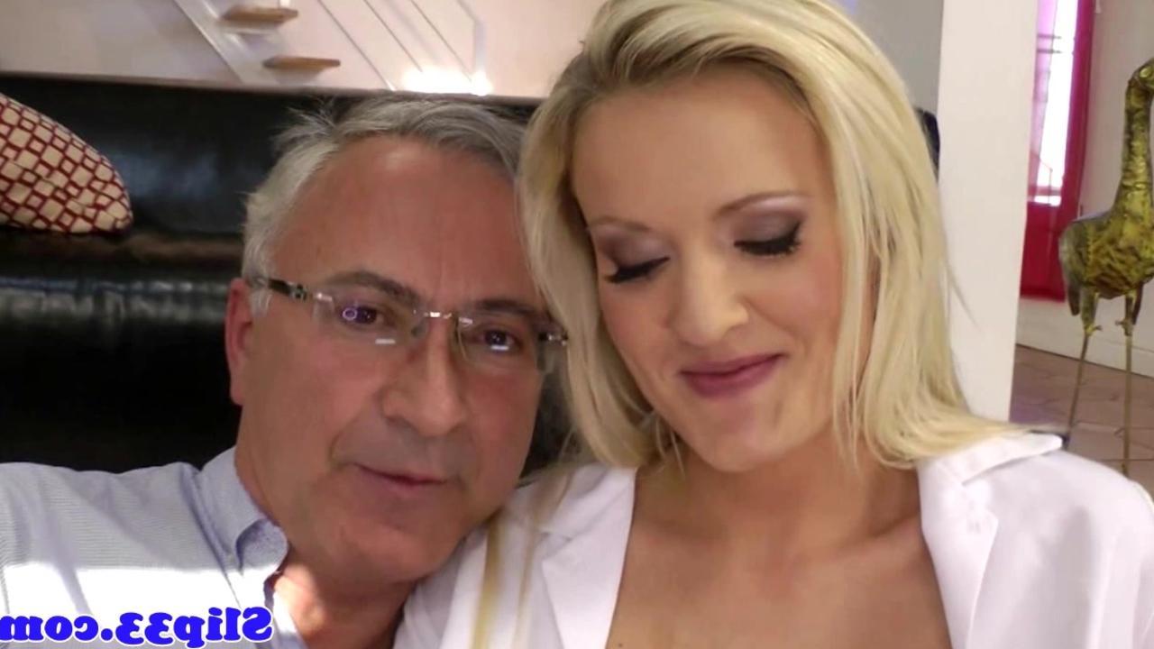 Посмотреть порно с медсестрой полицейским и одним мужиком 13 фотография