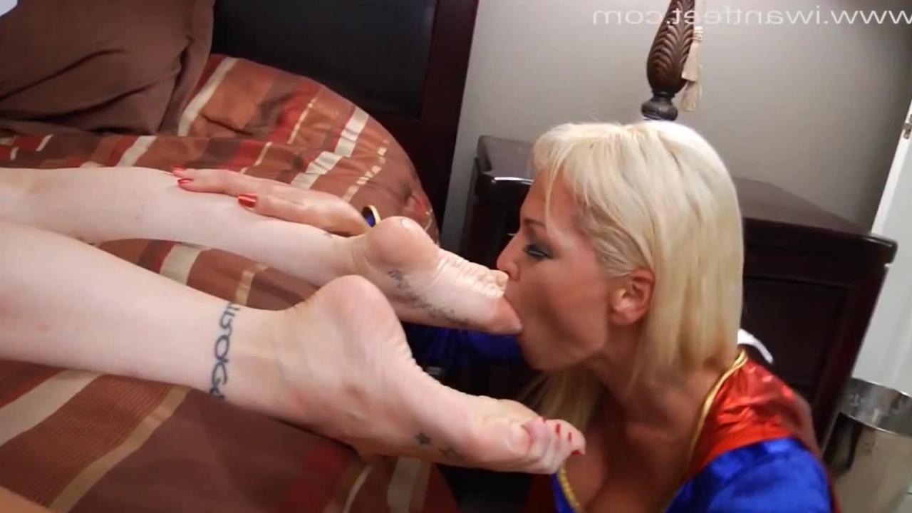секс лизание ног