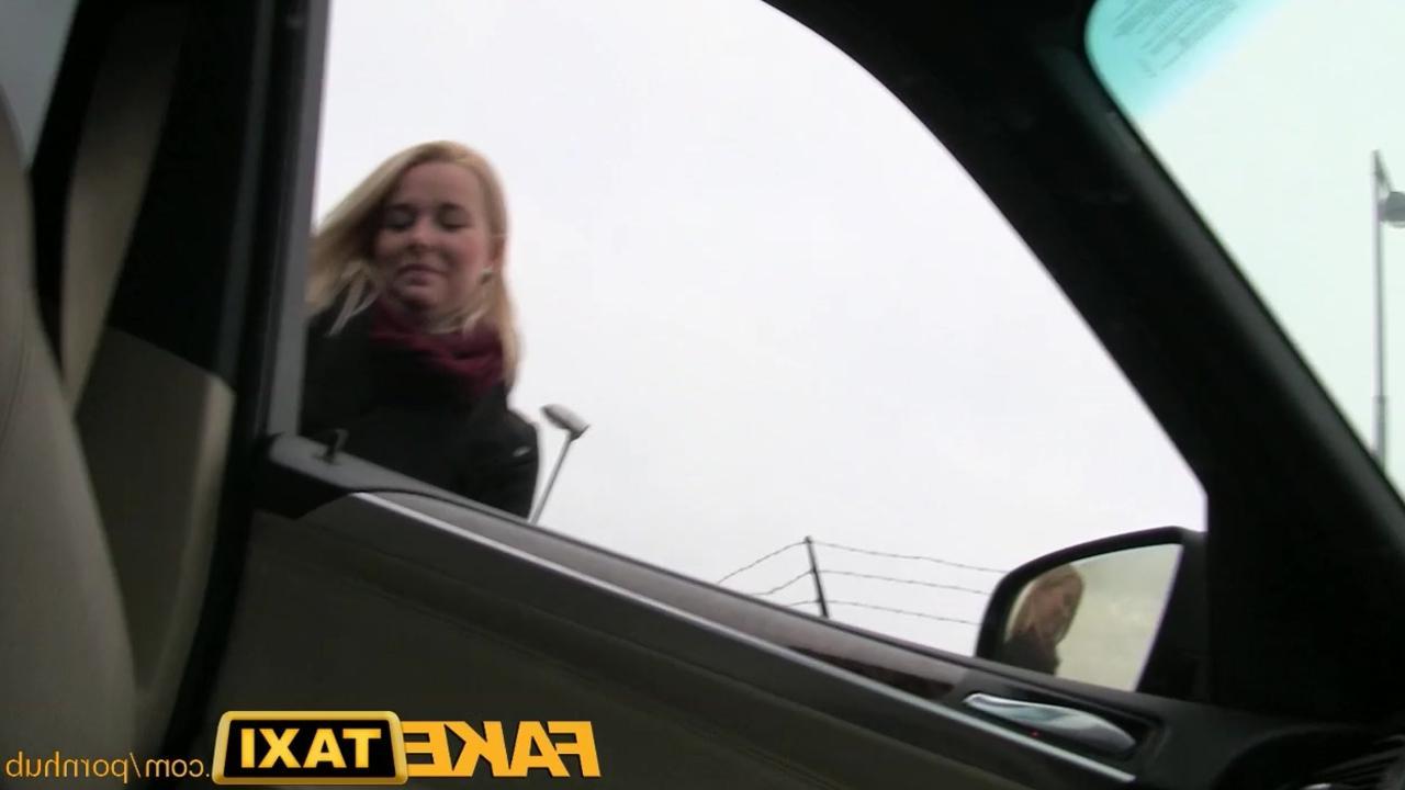Порно прям в машине