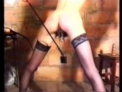 Гиг Порно Каждая из связанных французских сучек была бы рада потрахаться со своим мучителем, но тот попросту не дает им такой возможности. Вместо этого, он заставляет их получать дилдо и свой кулак!