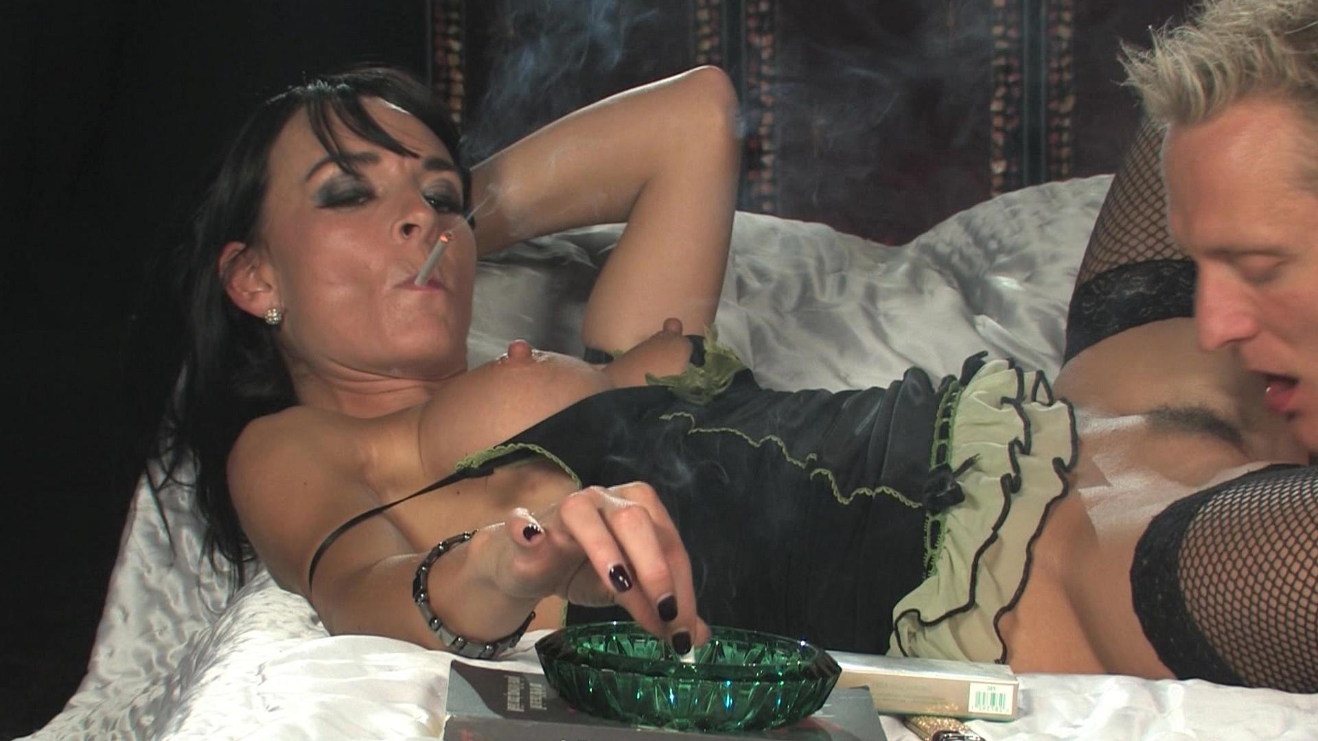 Сигарета вечеринки видео порно фото 164-225
