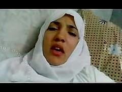 Зрелая арабская женщина с волосатой пиздой занимается сексом с мужем