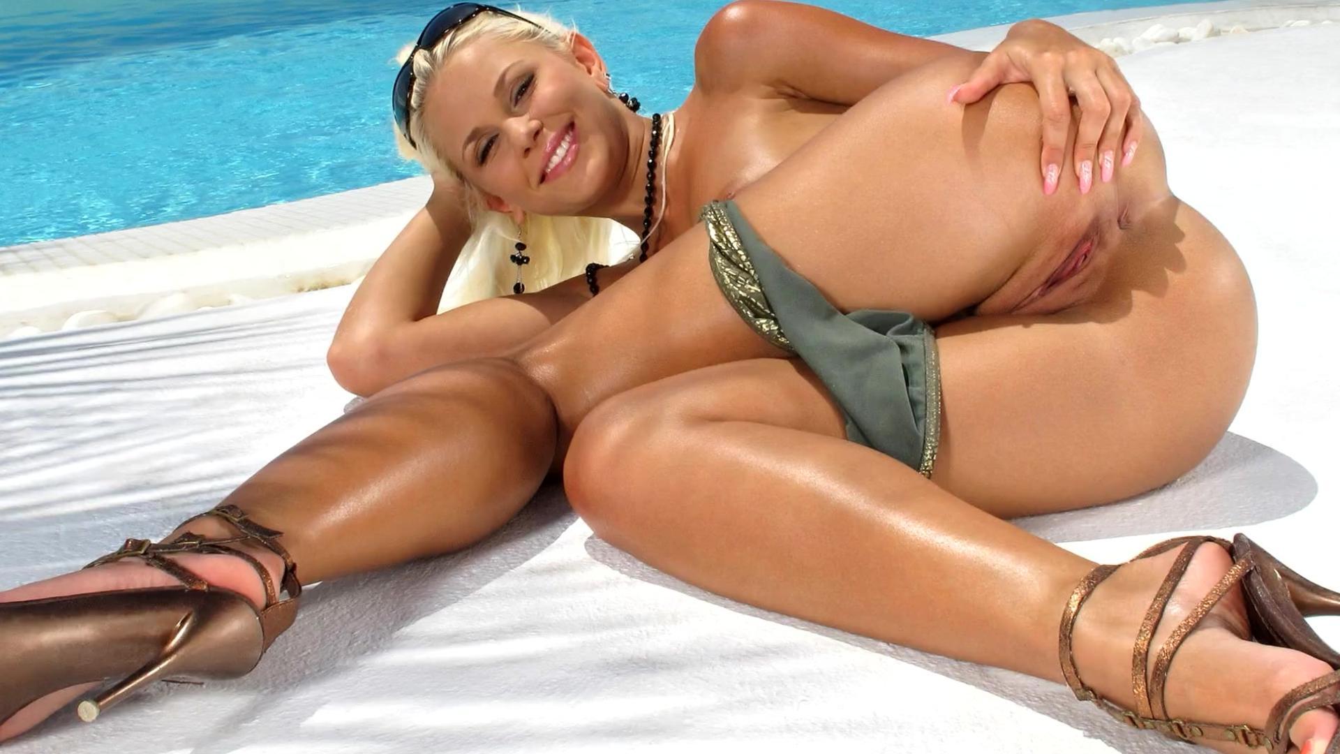 Порно видео смотреть онлайн две девушки и негры на пляже фото 708-734