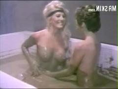 Подборка эротических кадров из знаменитых фильмов с голыми актрисами