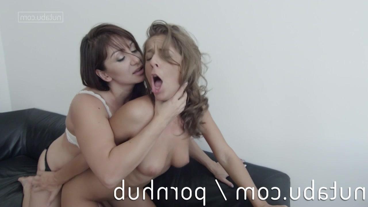 Безумный оргазм зрелых лесбиянок видео фото 249-631