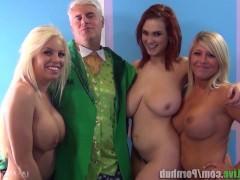 Гиг Порно  Компания зрелых порно звезд удовлетворяет старого мужика трахом