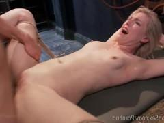 Гиг Порно  Грубый трах молодой связанной блондинки до бурных слез