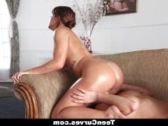 Гиг Порно куни девочки Зрелая секретарша получает сексуальное наказание от строгой начальницы