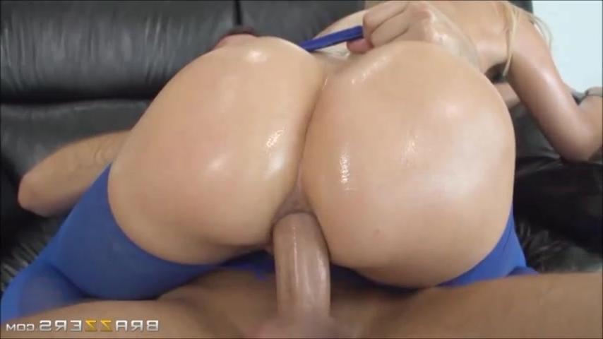 смотреть гиг порно гигант член разрывает бабу