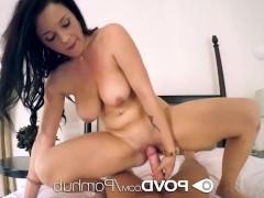 Зрелая порно модель желает жестко поебаться после своей мастурбации