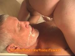 Гиг Порно Зрелая жена устраивает потрясающий трах в постели с мужем