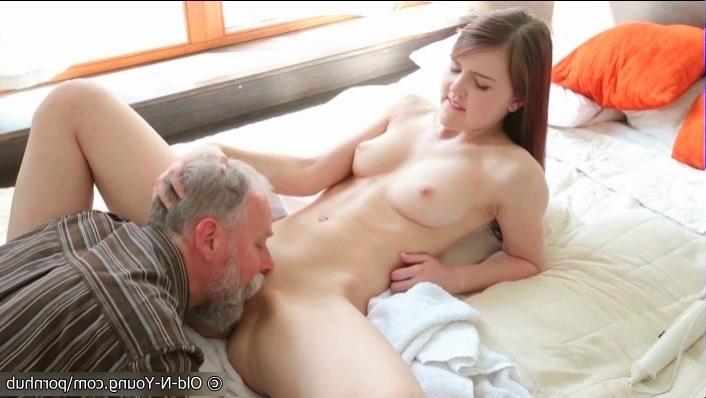 Смотреть порно латинку три мужика онлайн 7 фотография