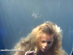 Оригинальный подводный минет и экстремальный трах с развратной зрелой бабой