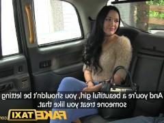 Грустная зрелая пассажирка пошла на трах с водителем такси
