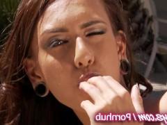 Две молодые порно модели по очереди потрахают пальцами свои сладкие пезды до оргазмов