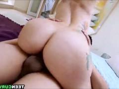 Сборка сексуальных сцен ебли грудастых молодых шлюшек в различных позициях