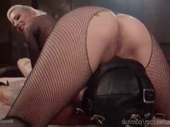 Злобная сучка жестоко мучает сексуального раба и ебет страпоном